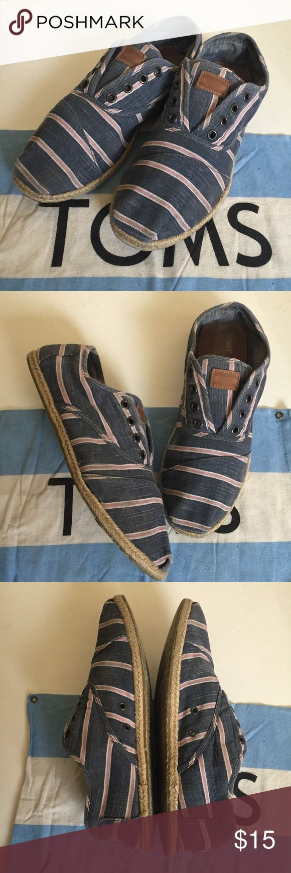 Men's TOMS Espadrilles 10 Pre owned men's TOMS Espadrilles style.  Size 10.  Good normal used condition, pet/smoke free home Toms Shoes Loafers & Slip-Ons