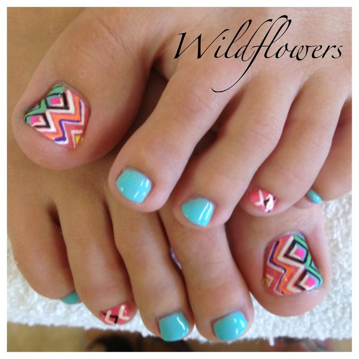 Tribal Toes <3 #pedi #wildflowers #nailsntna www.wildflowersnails.com