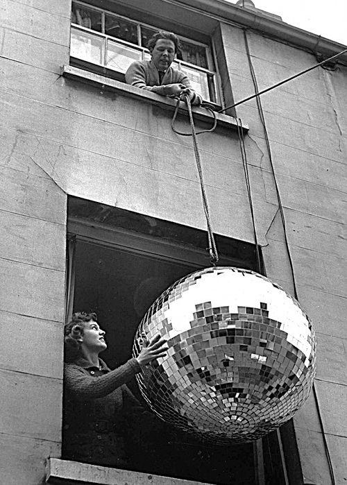 preparing for disco nightPhotos, Discos Ball, Disco Ball, Dance Floors, The Black Keys, Black White Photography, Parties, Living Room, High Time