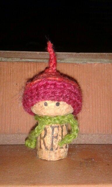 Tiny sparklingwine diy christmas decoration