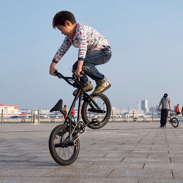 Minato busting a decade - age 8 in Kobe Japan. Flatland BMX kids. http://www.instagram.com/bmxgroms