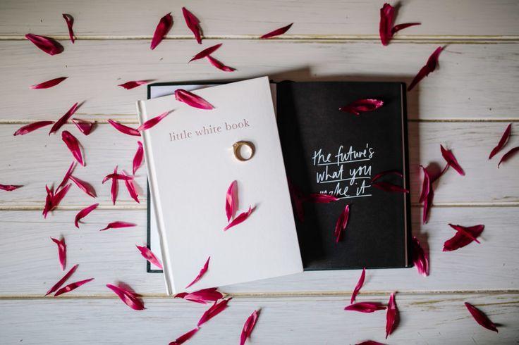 wedding-organiser-organizer-diary-planner-book-little-white-book