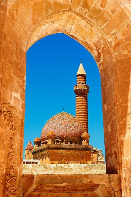 Minarete of the Mosque of the 18th Century Ottoman architecture of the Ishak Pasha Palace (Turkish: İshak Paşa Sarayı) , Ağrı province of eastern Turkey. | Photos Gallery