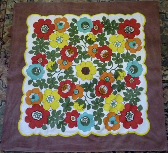 Retro cotton supper cloth ~ vintage cotton Mod daisies tiny tablecloth