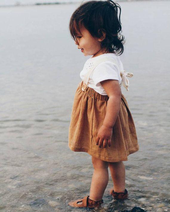Peuter rok met bretels voor baby meisjes mosterd door MadebyJeniffer