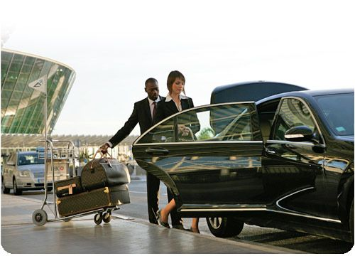Have a safe and on-time limo ride with our Sacramento airport super shuttle services.