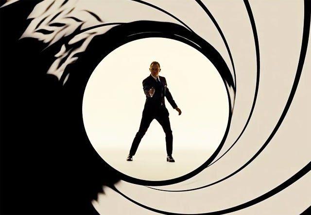 Daniel Craig Will Return for Bond 25!