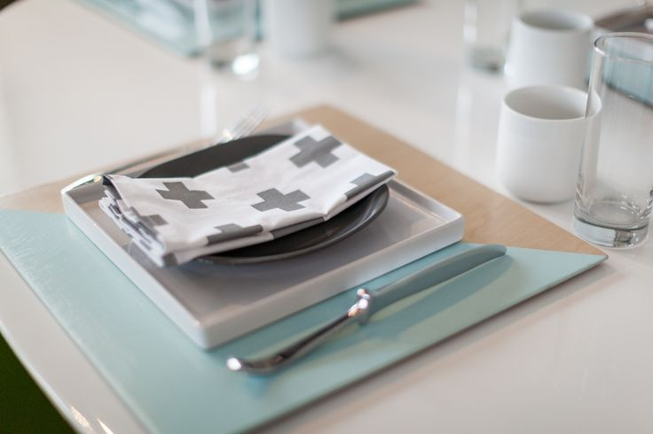 I will be making these-- Painted Place Setting {Tutorial from The Uncommon Common Law}