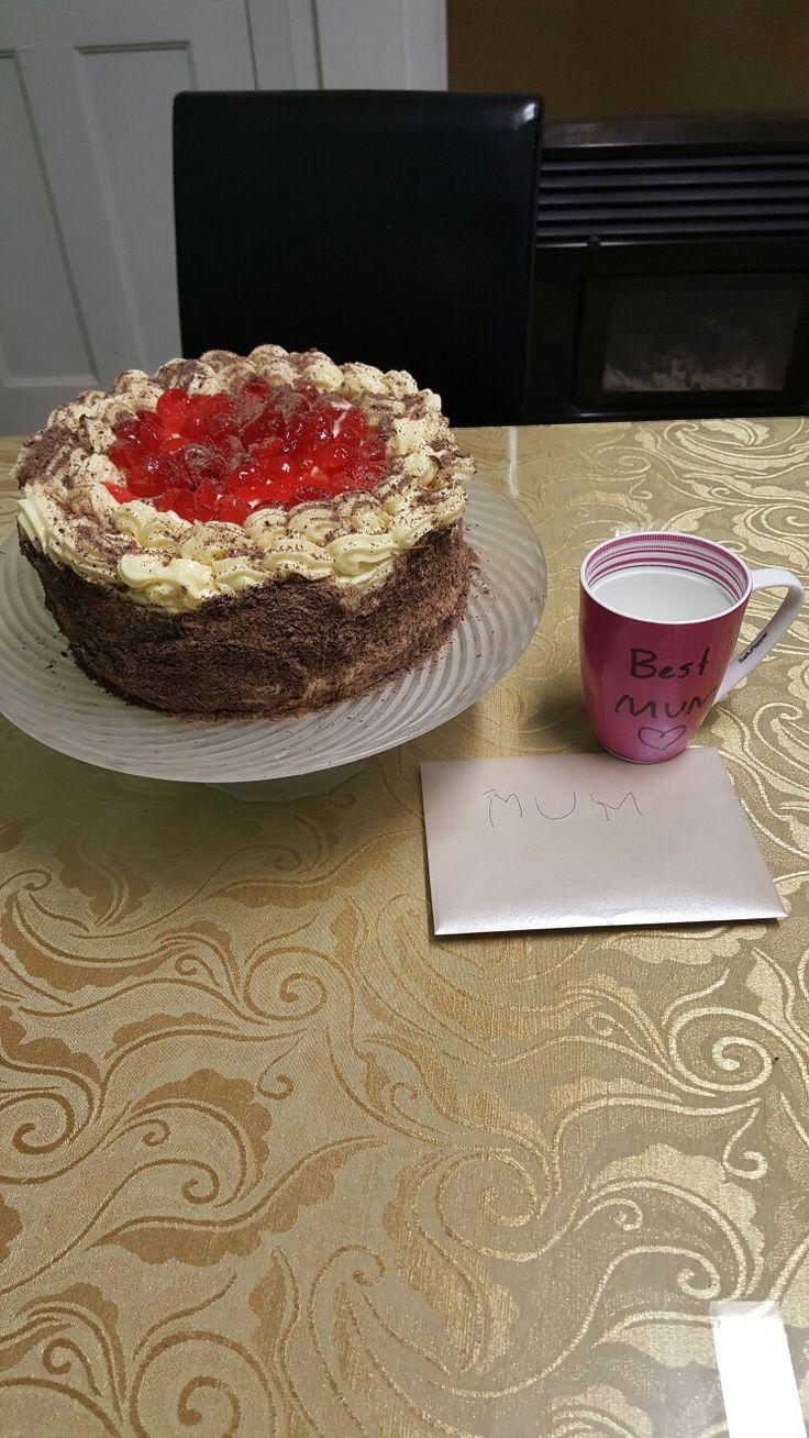 Blackforest cheesecake cake for my birthday😇😘