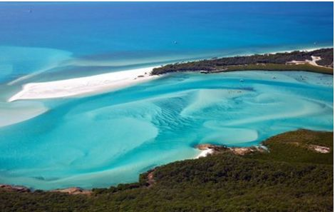 365 WONDERS OF THE WORLD: #18  Spectacular Whitehaven Beach in Australia has crystal clear aqua waters and a pristine white sandy beach which stretches over 7km. Could this be your next holiday?  Find out more>> http://www.travelstart.co.za/lp/oceania/flights  #australia #365wondersoftheworld