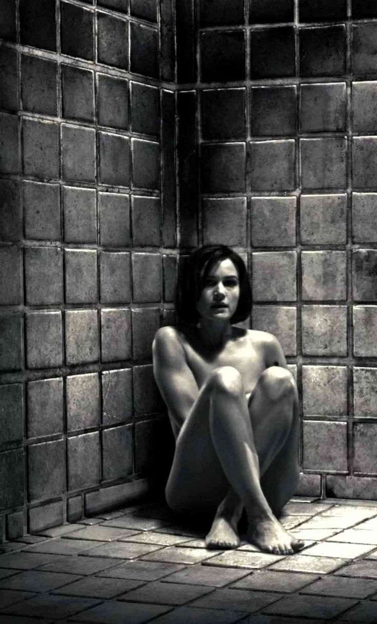 Carla Gugino Nude Scenes