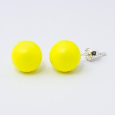 Dimensions: length: 2,2cm pearl size: 10mm Weight ~ 3,30g ( 1 pair ) Metal : sterling silver ( AG-925) Stones: Swarovski Elements 5818 10mm Colour: Crystal Neon Yellow Pearl 1 package = 1 pair Price 9.90 PLN( about`2,5 EUR)
