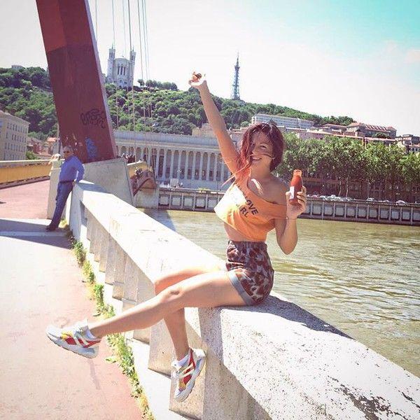 Певица Нюша болеет в Рио за сестру-синхронистку и сама в бикини выглядит как…