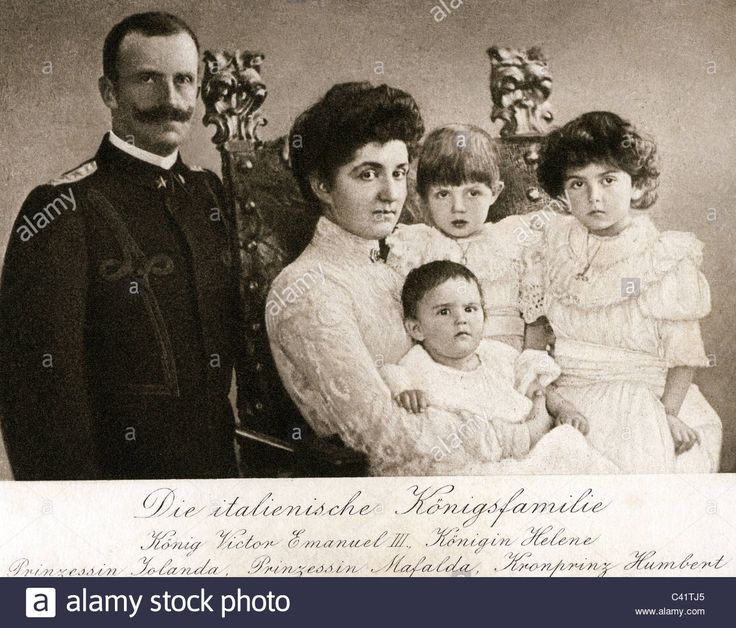 Victor Emmanuel III, 11.11. 1869 - 28.12.1947, King of Italy 29.7.1900 - 29.7.1946, with family, Queen Helen, Princess Yolanda, Stock Photo