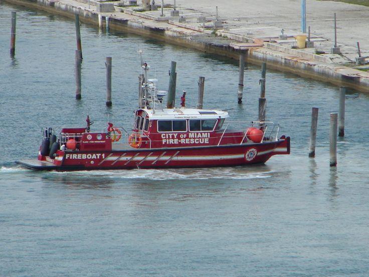 Miami Fire Department   ... >> Fire Department Apparatus > Miami (FL) Fire-Rescue (Fireboat 1