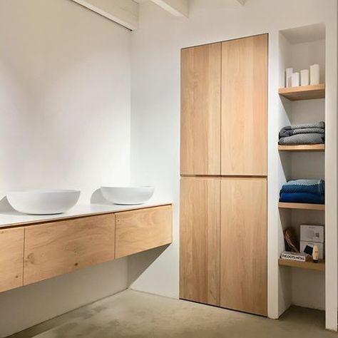 Wandmeubel Voor Badkamer.Complete Maatwerk Oplossingen In Hout Voor Keuken Badkamer