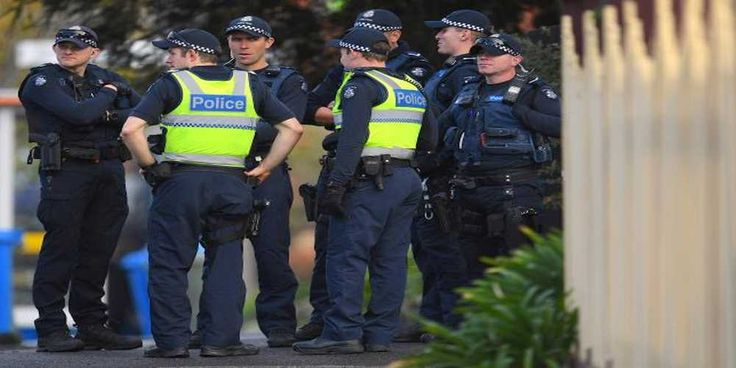 """Top News: """"AUSTRALIA POLITICS: Police to Get Greater Powers to Shoot in Militant Sieges"""" - http://politicoscope.com/wp-content/uploads/2017/06/Australian-police-stand-at-the-site-of-a-siege-at-the-Buckingham-Serviced-Apartments-in-Melbourne-Australia.jpg - Under the proposal, which is likely to be adopted in the state's parliament given the support for it, lethal force can be used immediately if an incident is declared """"terrorist related"""" by the state's most senior police off"""