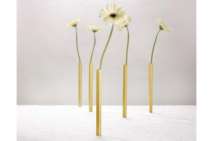 De Magnetic Vases van Peleg Design bestel je bij Cadeau.nl!