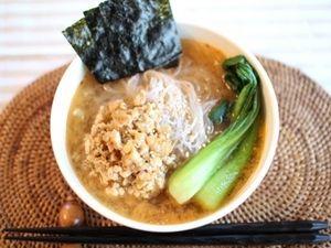 豆腐そぼろと春雨麺の、ヘルシー&ピリ辛味噌ラーメン