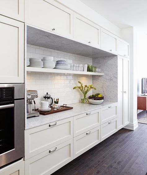 Lately thereâs one feature in kitchens that designers seem to be using over and over again: open shelves. Nothing creates an airy look faster (working in tandem with ample lower storage, of course), but if you donât have the space to dedicate an entir