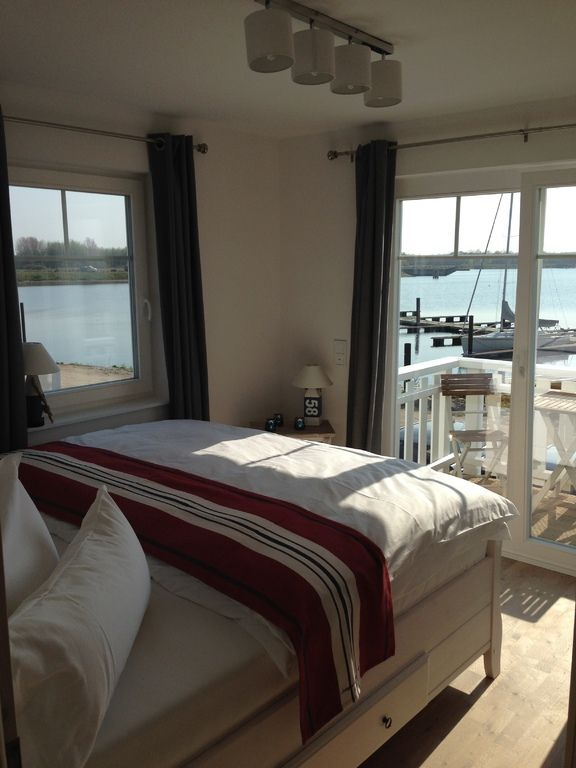 The Sea Room - Traumferienhaus zwischen Ostsee und Schlei ist das Hotel in Hamburg, in dem Sie in komfortablen Zimmern von einem freundlichen Personal und einem tollen Ambiente gastlich empfangen werden - genau das Richtige für Geschäftsreise oder Urlaub, Entspannung oder Erlebnis.