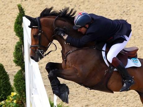 Equestrian: Team GB win gold in team showjumping