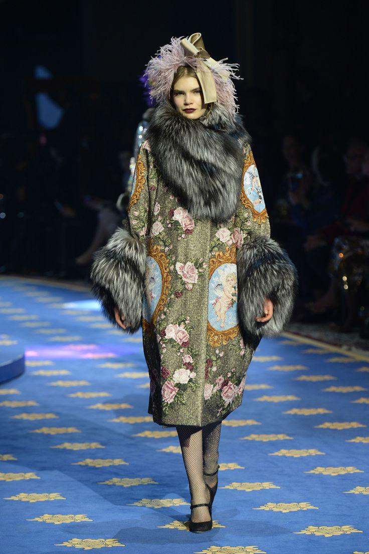 Dolce & Gabbana - Alte Artigianalità Spring/Summer 2017 Couture Collection