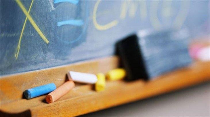Bu habere öğrenciler üzülecek...  Bazı illerde yarıyıl… http://hukukveekonomi.com/tr-TR/haberler/3986/bu-habere-ogrenciler-uzulecek