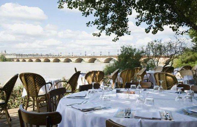 Terrasse à Bordeaux : Le Café Du Port - Les plus belles terrasses de restaurants et cafés en France