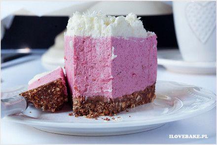 deser z malinami na jogurtach