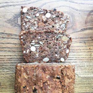 pain complet aux graines et fruits secs