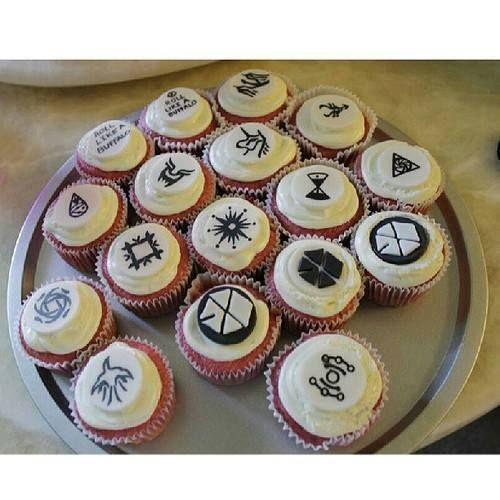 EXO Cupcake