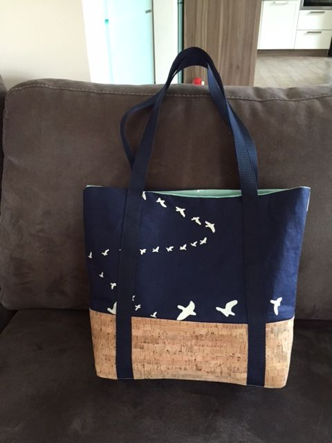 "Eine wunderschöne Handtasche ""Svea"" genäht von Jasmin H.: http://de.dawanda.com/product/86985311-schnittmuster-handtasche-svea-pdf-ebook"