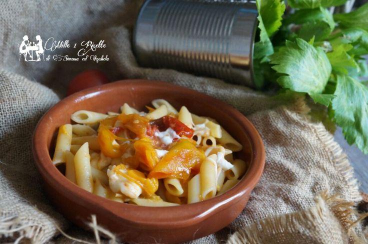 Pasta ai peperoni e mozzarella e una ricetta inventata mio marito. Visto che a lui la pasta con peperoni non li piaceva un giorno ha deciso di ....