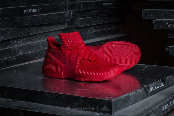 ADIDAS DAMIAN LILLARD 3 SCARLET #adidas #nmd #shoes #sneaker #sneakerhead #style #outfit #fashion #menstyle #trendway #trends #allstar