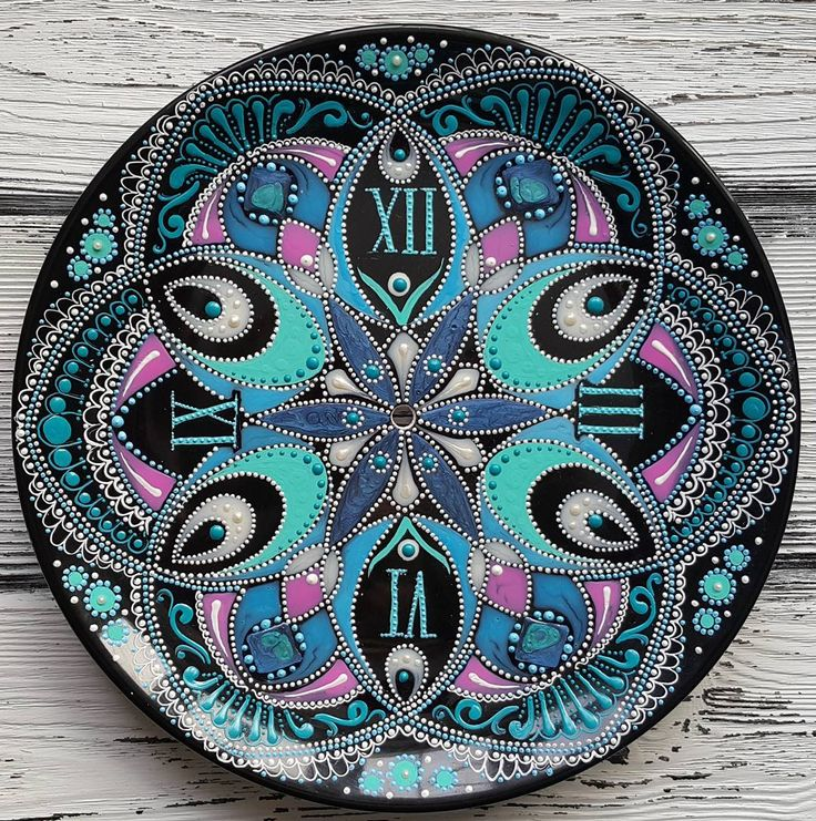 #pointtopoint #decor #handpainted #painting #decorativeplate #artwork #mandala…