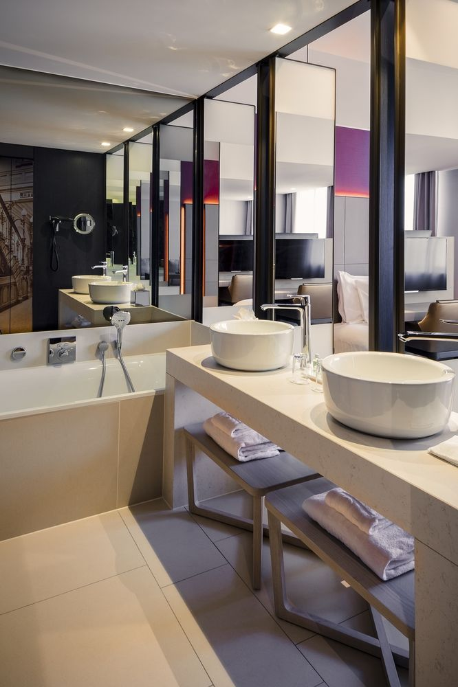 NH Collection Amsterdam Grand Hotel Krasnapolsky, Amsterdam, Suite, View, Bathroom