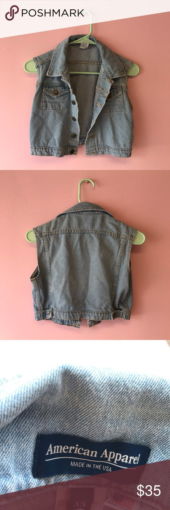 FLASH SALE✨ AMERICAN APPAREL CLASSIC DENIM VEST American Apparel light wish indigo denim vest that is slightly cropped. Excellent condition and ships sake or next day. Size XS American Apparel Jackets & Coats