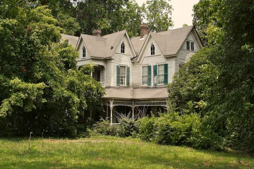 Abandoned mansion near Atlanta, Georgia