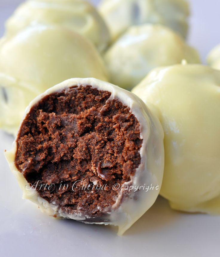 Tartufini al cioccolato bianco con pan di stelle vickyart