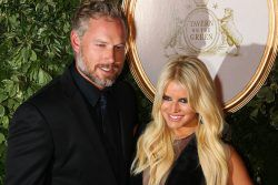 """nice Jessica Simpson Telling Eric Johnson To """"Stay Fat"""" Is Made-Up Story"""