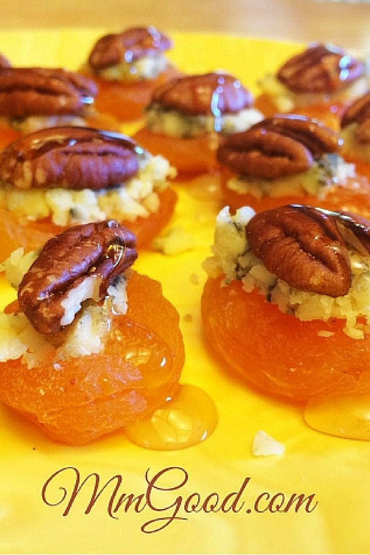 A super easy #recipe for dried apricots, blue cheese, nuts and a small drizzle of honey.  It takes less than 5 minutes to assemble this new favorite recipe | MmGood.com