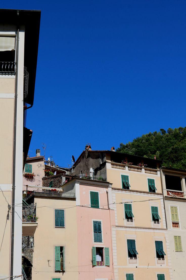 Dolceacqua (IM) - Piazza Padre Giovanni Mauro
