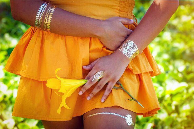 Lote de 20 unidades de Tatuajes temporales Metalizados Tatuajes Dorados y plateados Estilo Hawaiano (ʻōlelo Hawaiʻi) Gold & Silver Metallic Temporary Tattoos Tropical Sunny Beach | Tempotats tatuajes temporales Metalicos