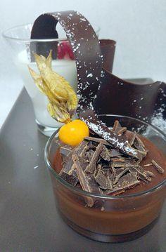 Νηστίσιμη κρέμα πιάτου σοκολάτας | ION Sweets