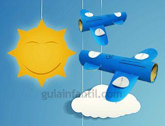 Manualidad de avión de juguete con rollos