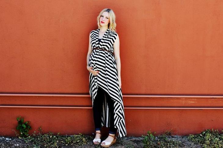 Красивая летняя одежда для беременных девушек