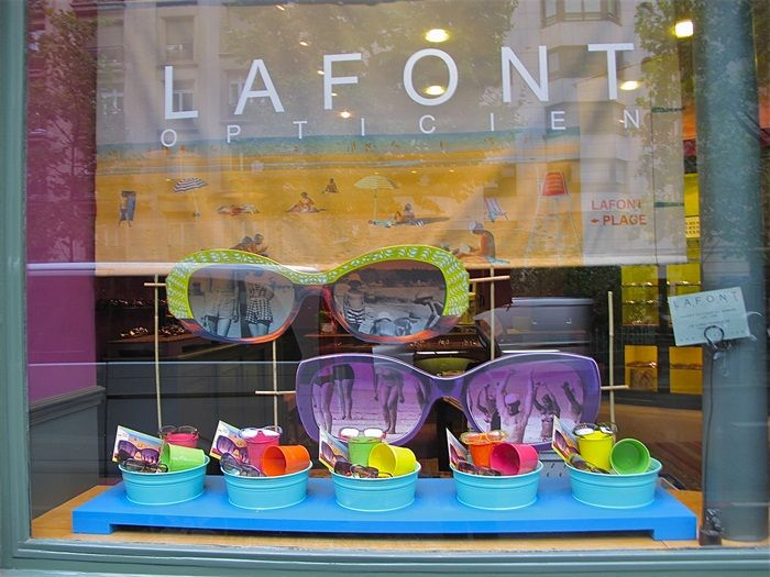 Summer 2011 boutiques window display #EverythingEyes #diamondbar #optometry