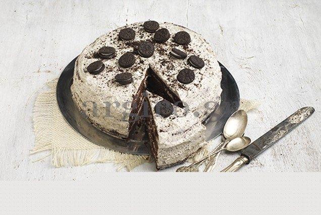 Σοκολατένια τούρτα γεννεθλίων με μπισκότο