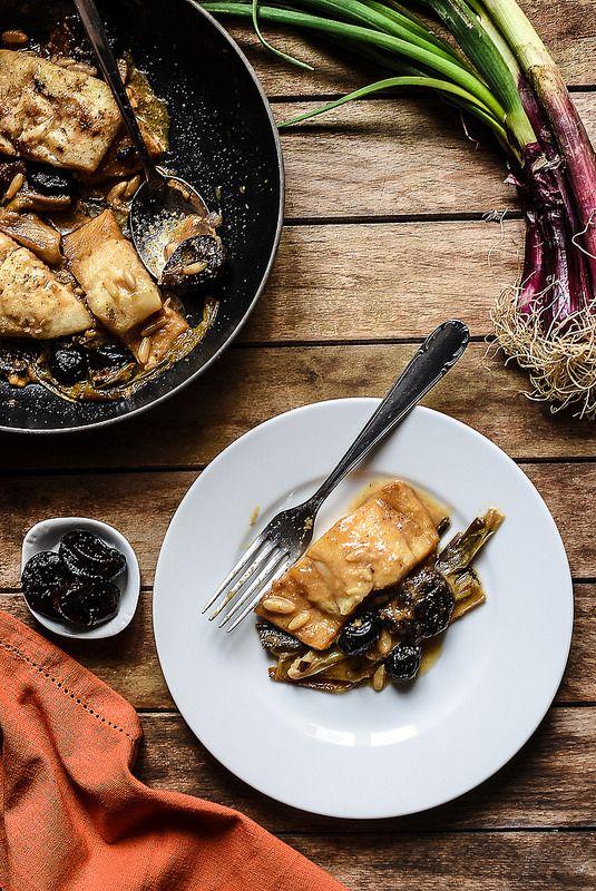 Baccalà con cipollotti, prugne secche e pinoli - Teresa Balzano